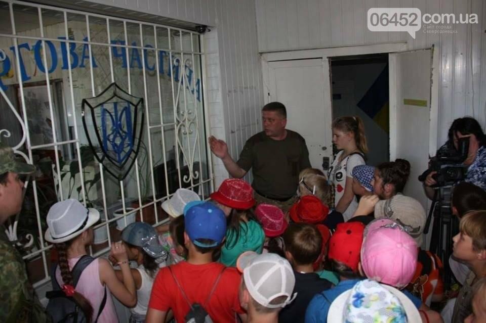 Полицейские организовали для детей праздник «Дня открытых дверей» (фото), фото-2