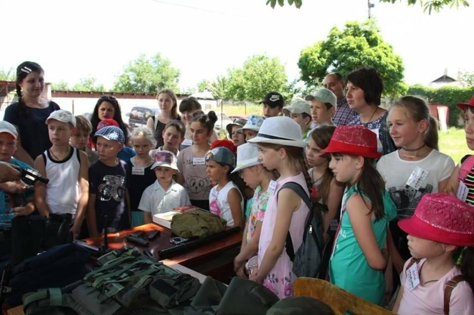 Полицейские организовали для детей праздник «Дня открытых дверей» (фото), фото-6
