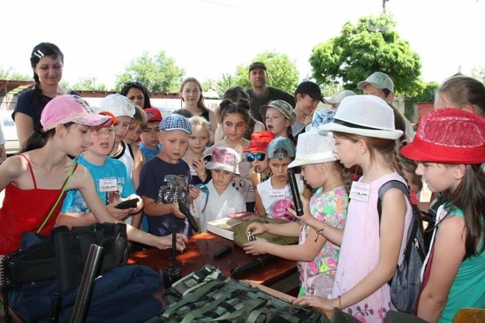 Полицейские организовали для детей праздник «Дня открытых дверей» (фото), фото-4