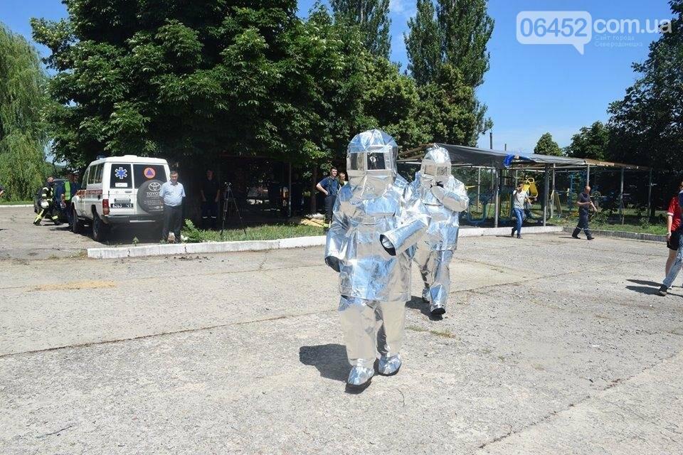 Зам мэра Северодонецка подался в спасатели (фото), фото-17