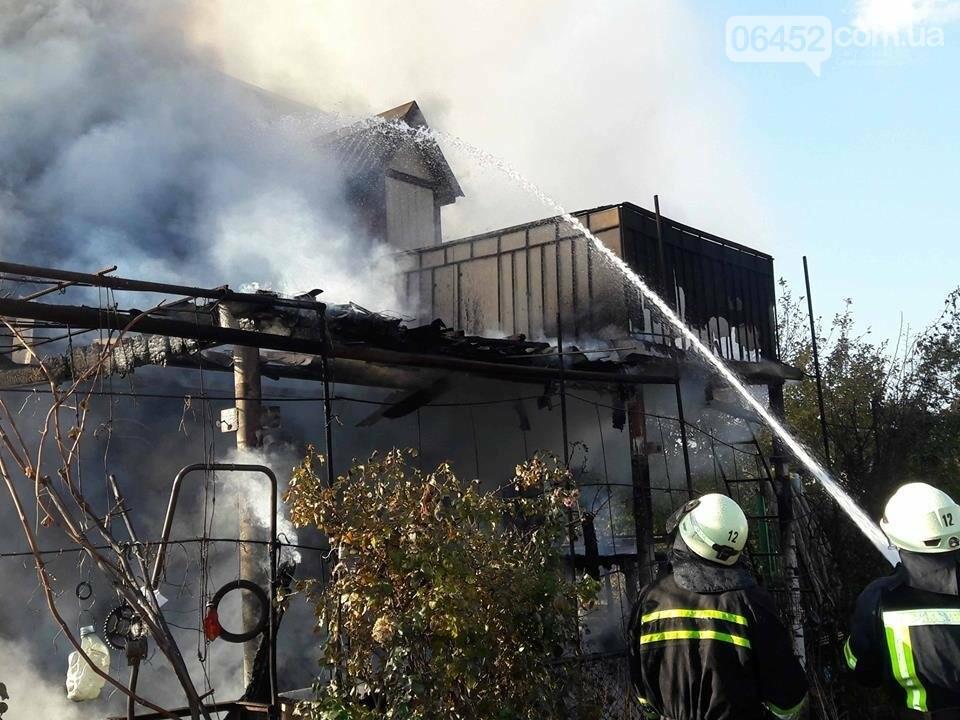 В Северодонецке сгорела частная дача (фото), фото-1