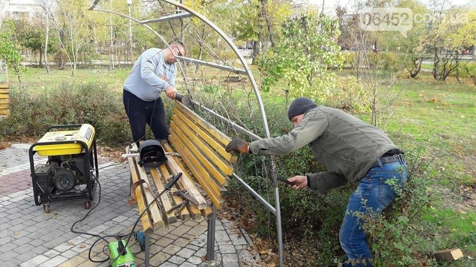В Северодонецке после разгула вандалов привели в порядок поврежденный сквер Гоголя (фото), фото-4
