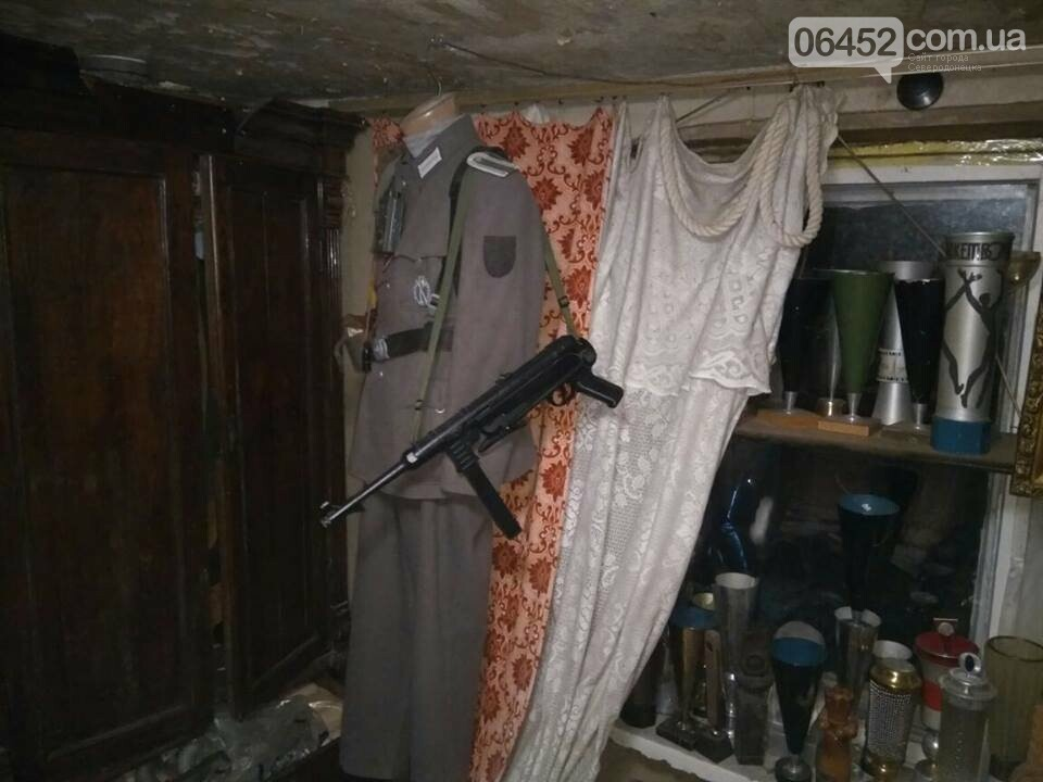 В Рубежном у коллекционера изъяли арсенал оружия и наркотики (фото), фото-9