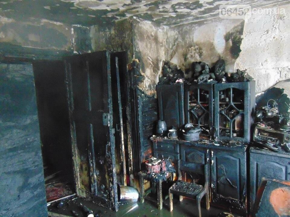 В Рубежном горел многоквартирный дом: 39 спасены, 1 погибший (фото), фото-2