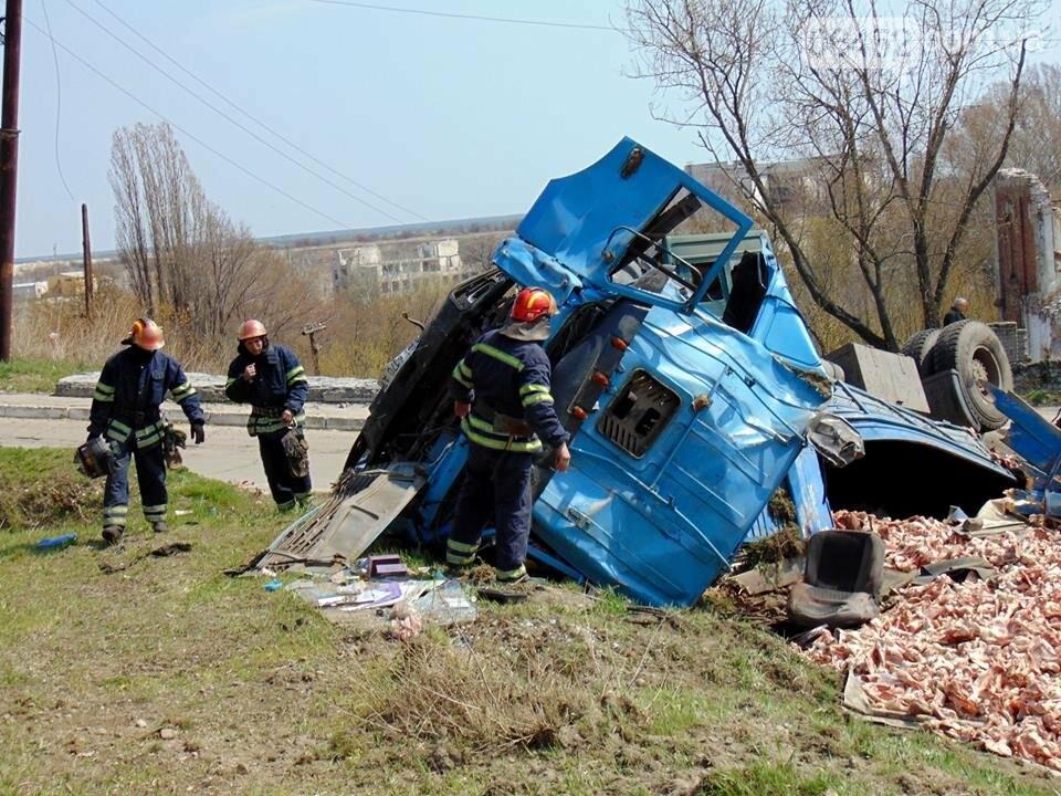 В Лисичанске при столкновении маршрутки и грузовика пострадало 9 человек (фото), фото-3