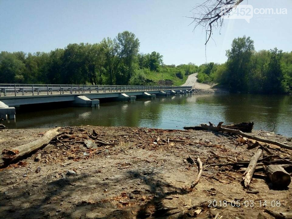 Спасатели и коммунальщики полностью расчистили от поваленных деревьев рубежанский мост , фото-2