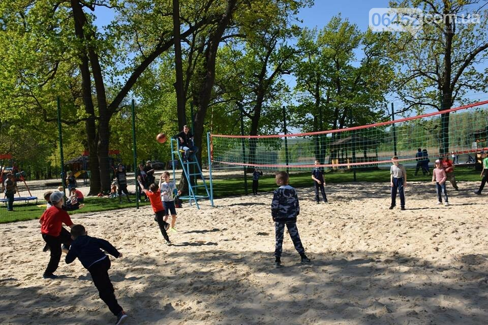 В Рубежном состоялось открытие рекреационной зоны на берегу озера Песочное, фото-2