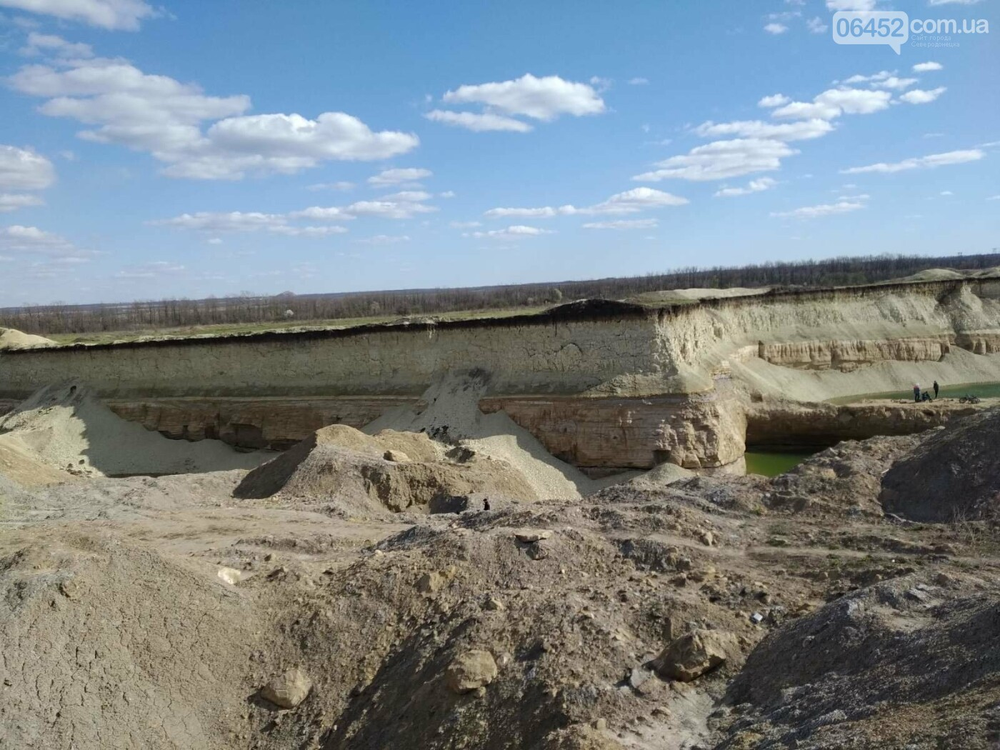 На Луганщине нелегальная копанка превратилась в ландшафтную достопримечательность, фото-8