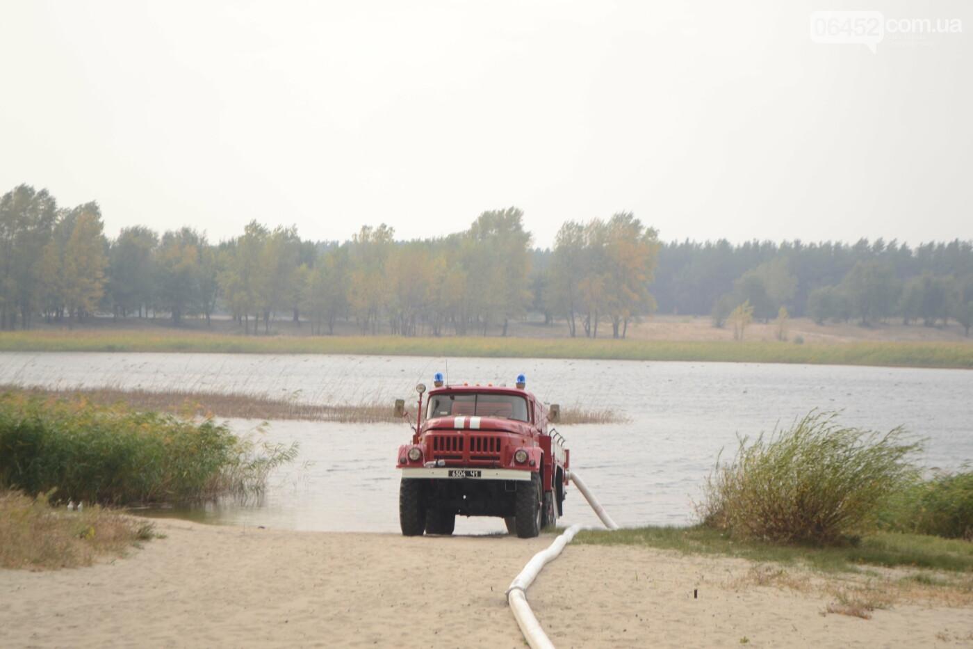 Северодонецк в дыму. Спасатели фиксируют новые очаги возгорания (фото) , фото-1