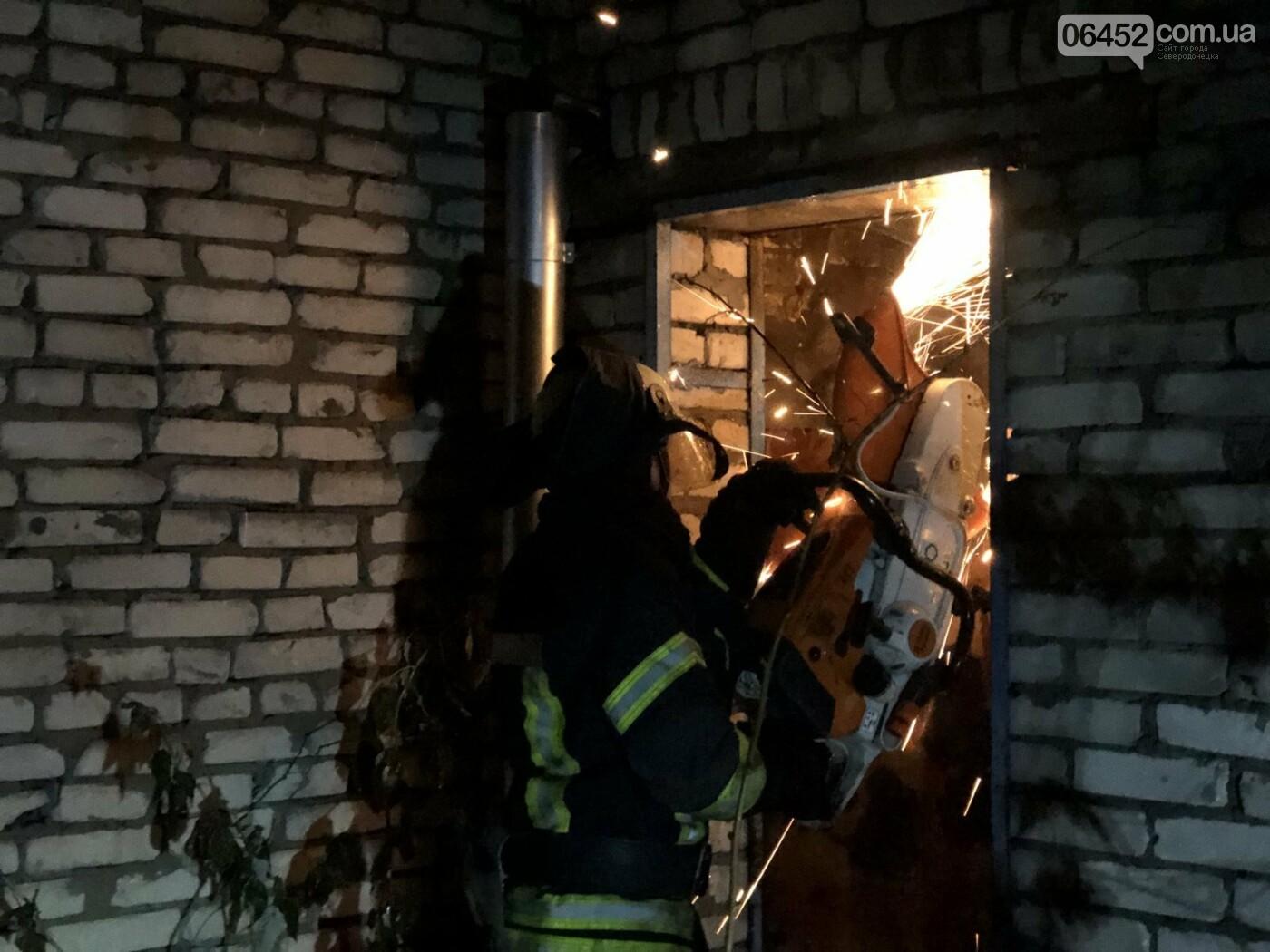 В Северодонецке горела хозяйственная постройка с дровами ( фото, видео) , фото-2