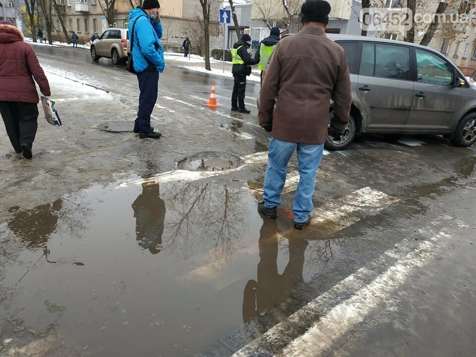 В Северодонецке на проблемном перекрестке столкнулись два автомобиля (фото) , фото-4