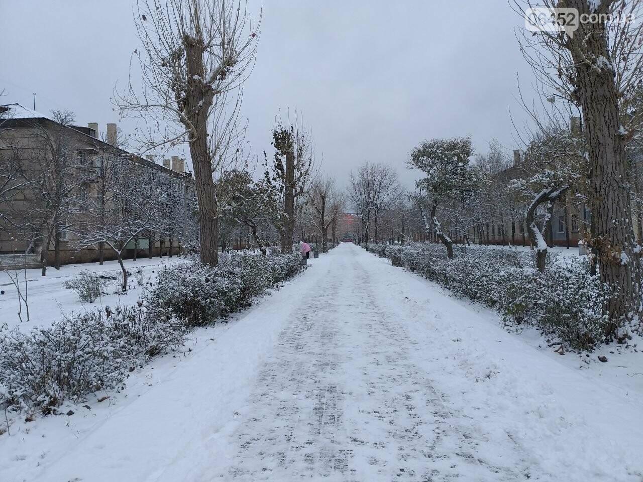 Заснеженный город: в Северодонецк пришла настоящая зимняя сказка (фото) , фото-46