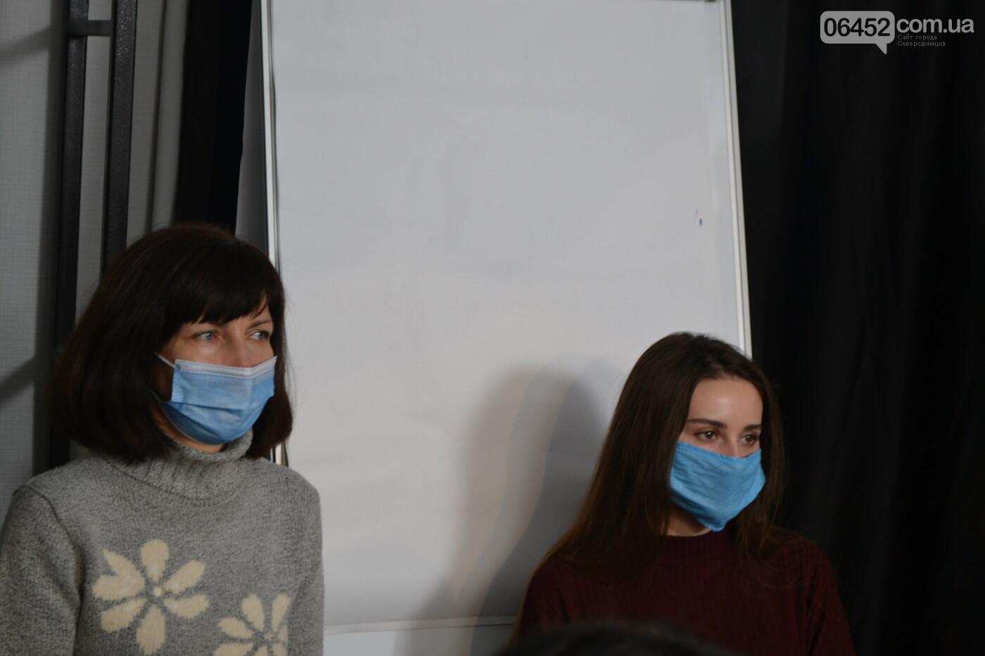 Северодончанам презентовали запрещенную книгу о Стусе , фото-6