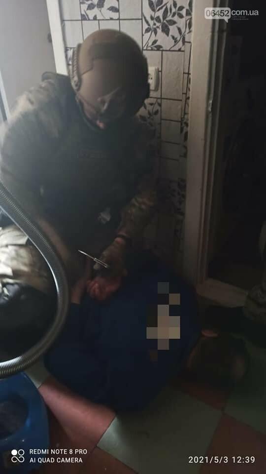 Житель Северодонецка нанёс ножевые удары незнакомому молодому человеку
