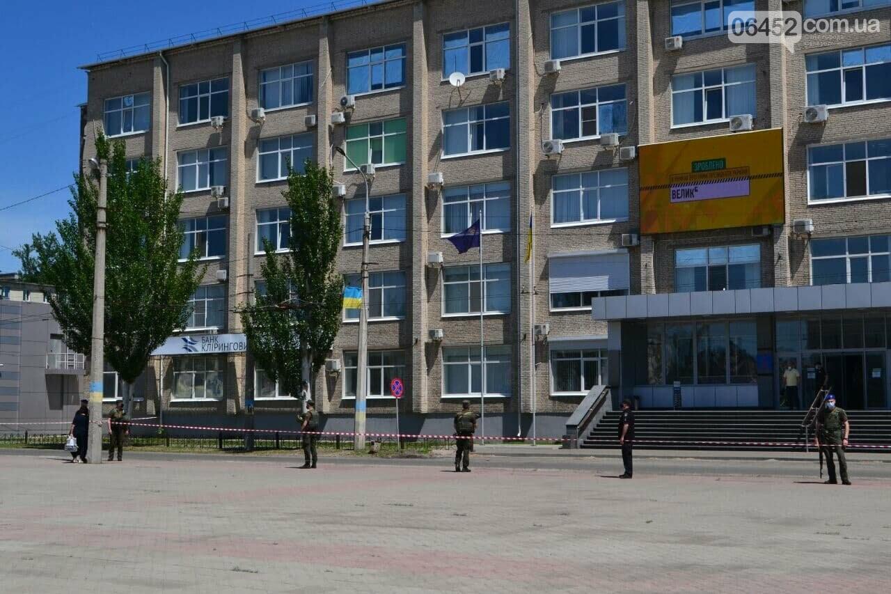 В Северодонецке неизвестный сообщил о минировании корпусов двух университетов (фото), фото-3