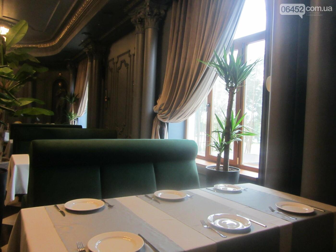 Как изменился интерьер в «Golden Palace» с переездом ресторана «Соль. Остальное мясо», фото-16