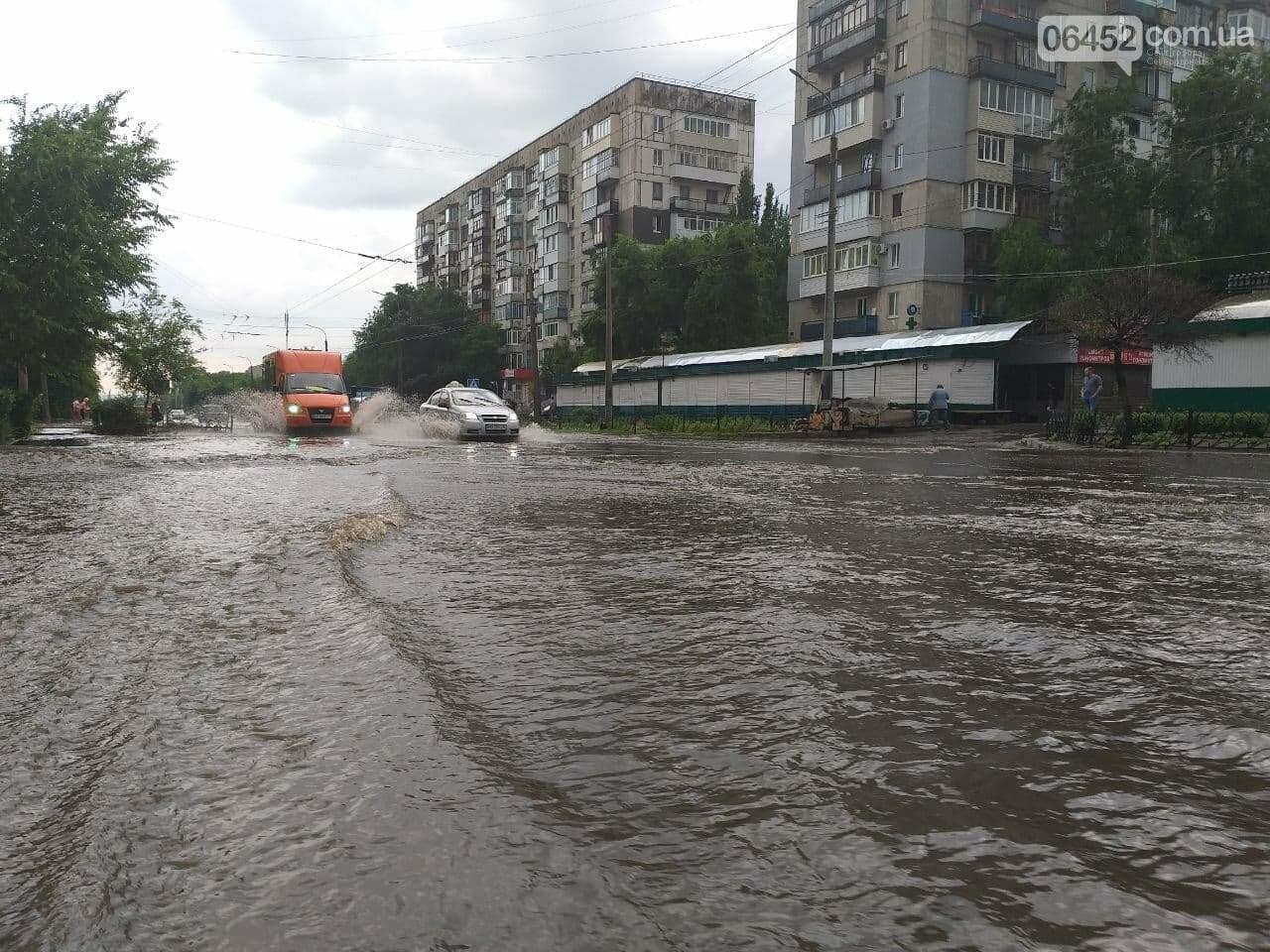 После дождика в четверг: мощный ливень обрушился на Северодонецк и оставил массу проблем, фото-9