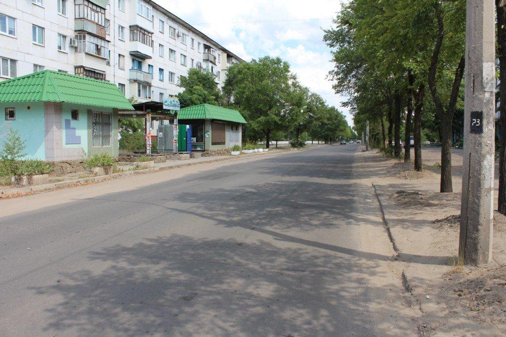 В Северодонецке продолжают латать ямы на дорогах (фото), фото-8