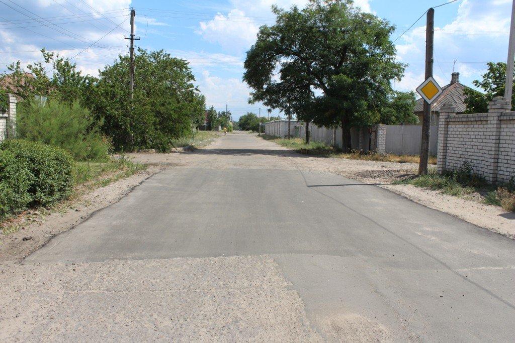 В Северодонецке продолжают латать ямы на дорогах (фото), фото-9