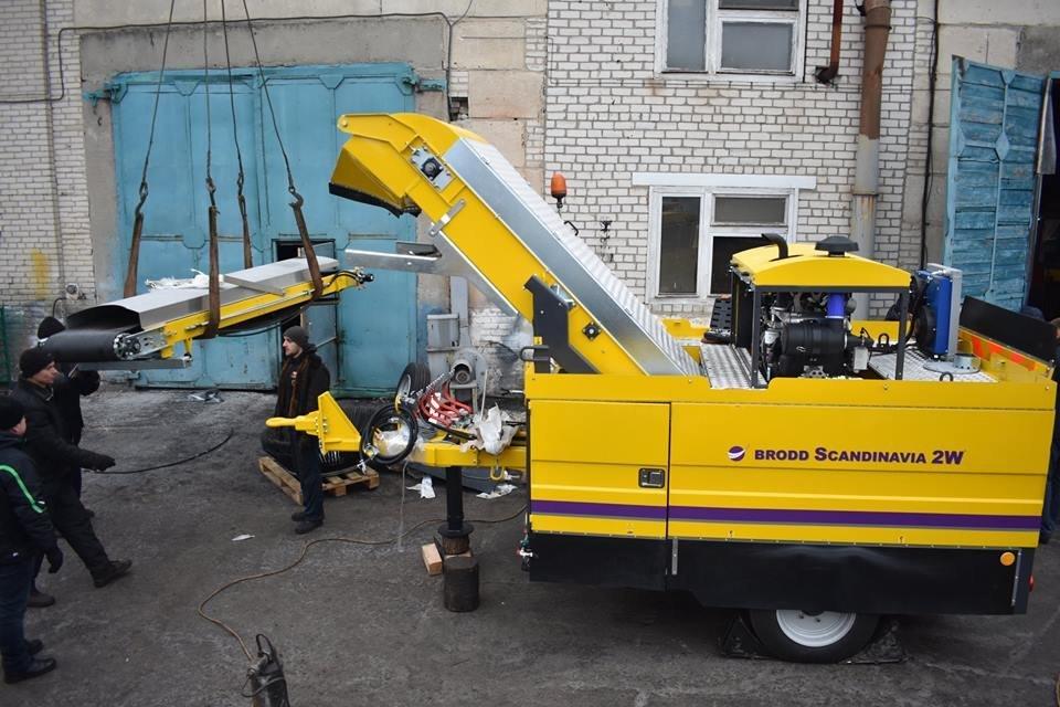 Северодонецкие коммунальщики получили новую спецтехнику (фото), фото-5