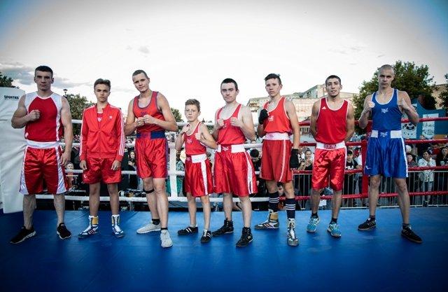 В Лисичанске прошел боксерский турнир памяти отца и сына Назаренко и концерт группы Армия, фото-8
