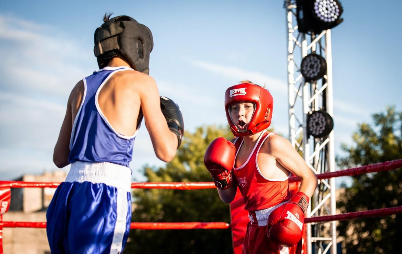 В Лисичанске прошел боксерский турнир памяти отца и сына Назаренко и концерт группы Армия, фото-15
