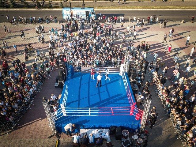 В Лисичанске прошел боксерский турнир памяти отца и сына Назаренко и концерт группы Армия, фото-16