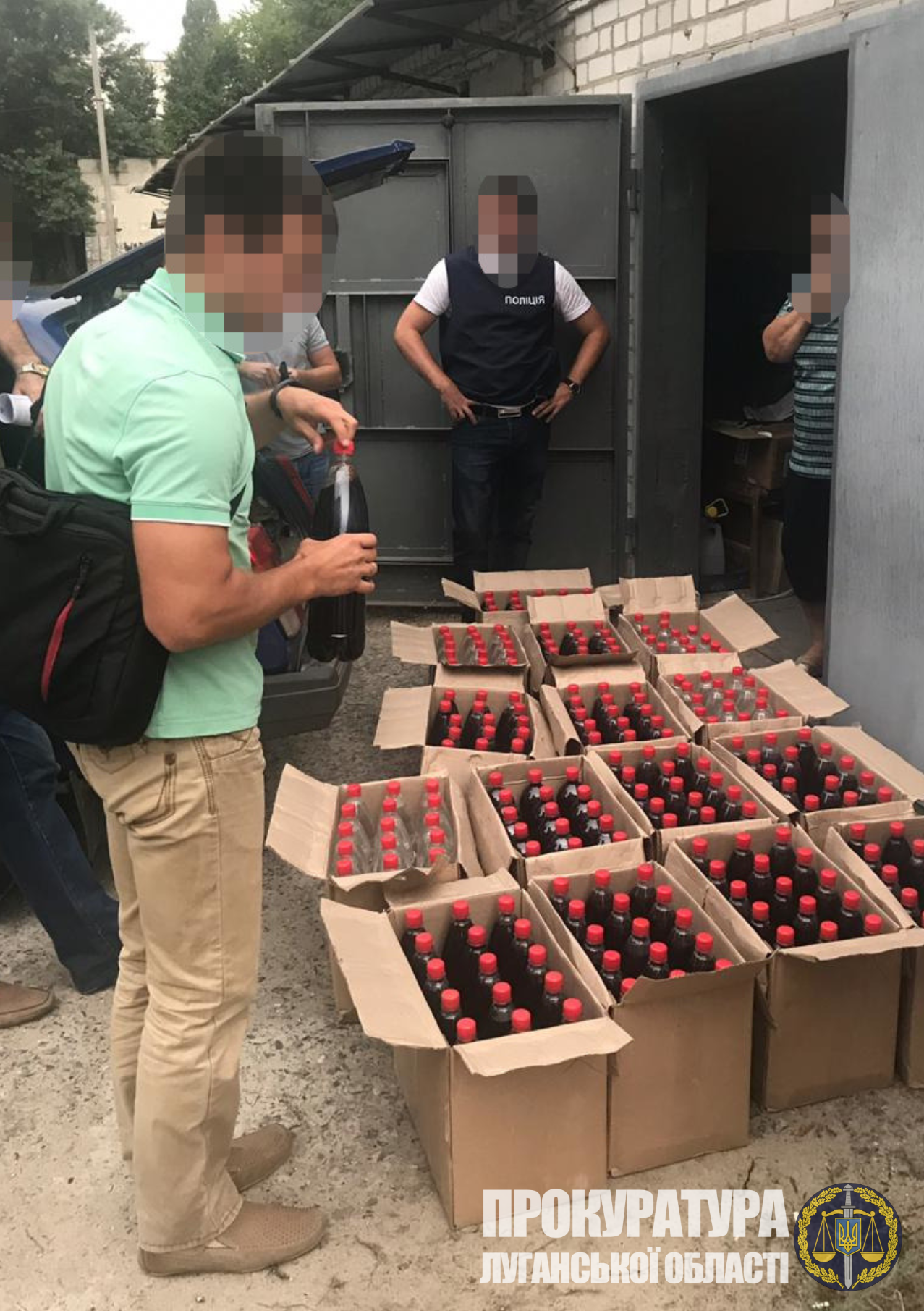 Северодончанка с сообщниками организовали незаконную реализацию фальсифицированного алкоголя, фото-2