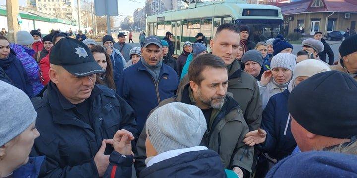 В Северодонецке прошли акции протеста против закрытия рынков, фото-1