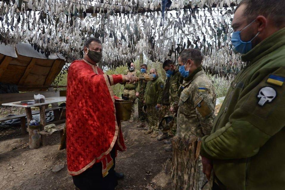 Украинские военные на Донбассе отметили Пасху ( фото), фото-2