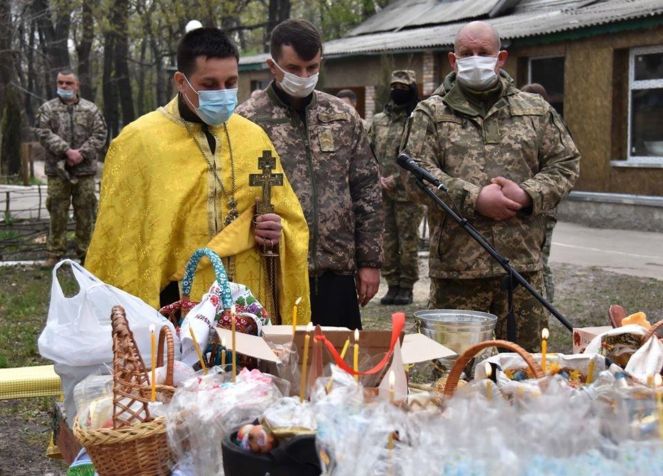 Украинские военные на Донбассе отметили Пасху ( фото), фото-5