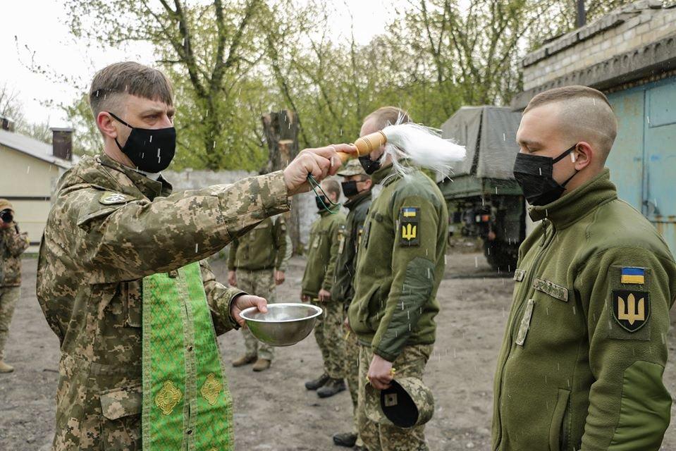 Украинские военные на Донбассе отметили Пасху ( фото), фото-6