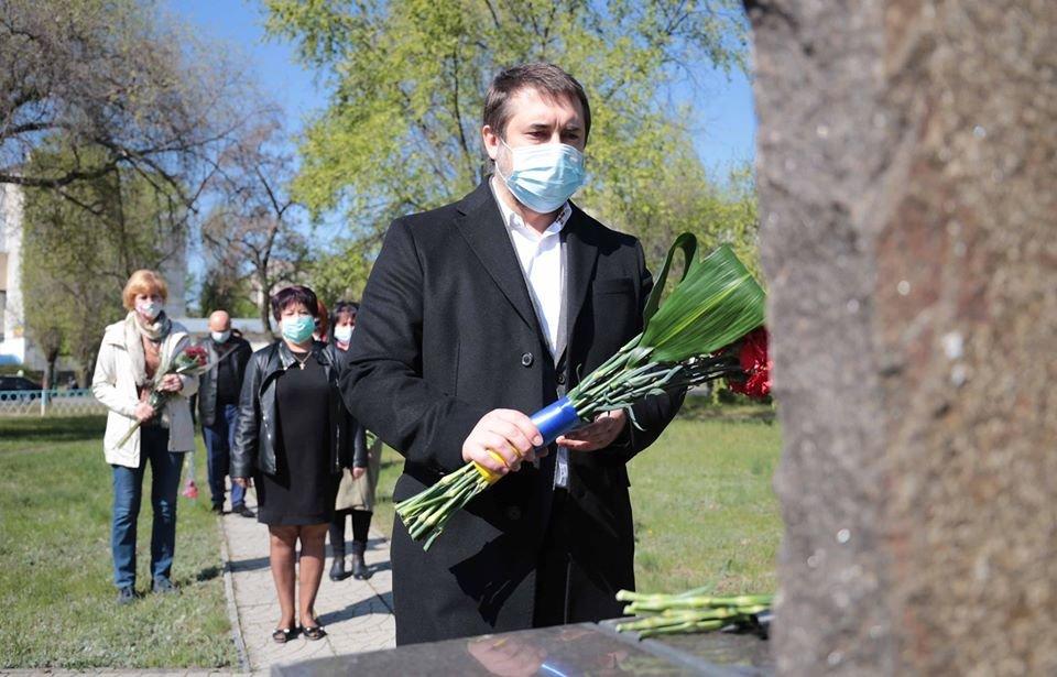 В Северодонецке почтили память ликвидаторов аварии на ЧАЭС, фото-1