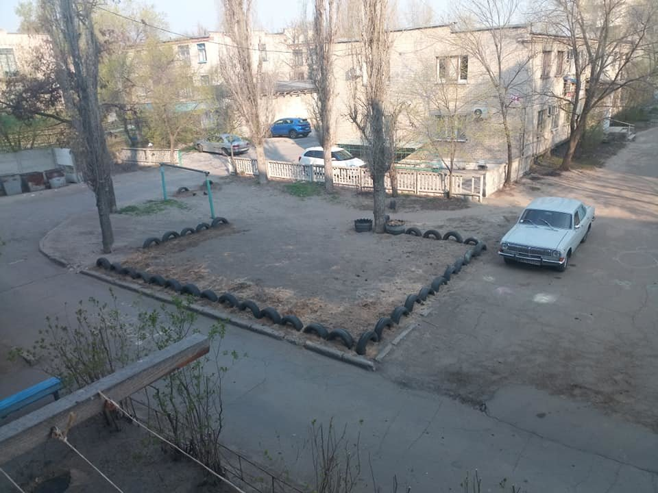 В Северодонецке горожане оборудовали из покрышек детскую площадку (фото), фото-3