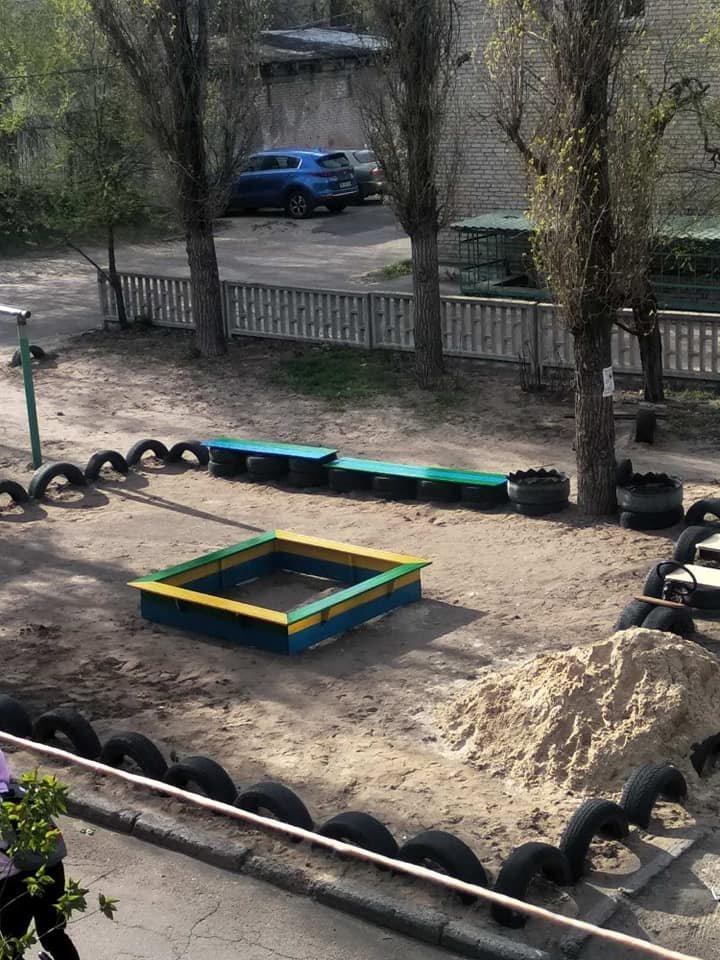 В Северодонецке горожане оборудовали из покрышек детскую площадку (фото), фото-11