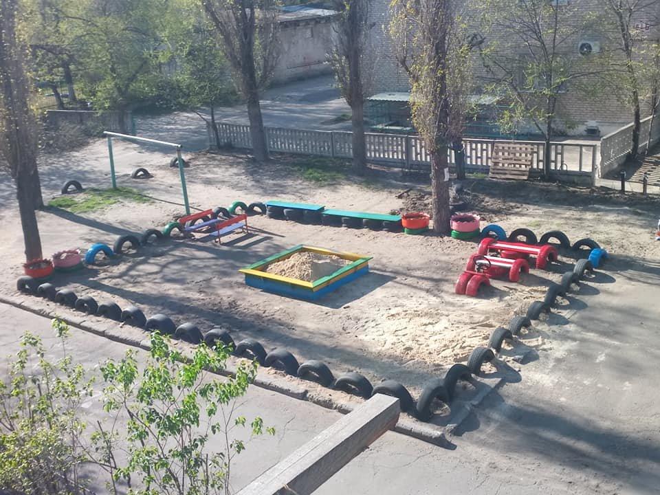 В Северодонецке горожане оборудовали из покрышек детскую площадку (фото), фото-13