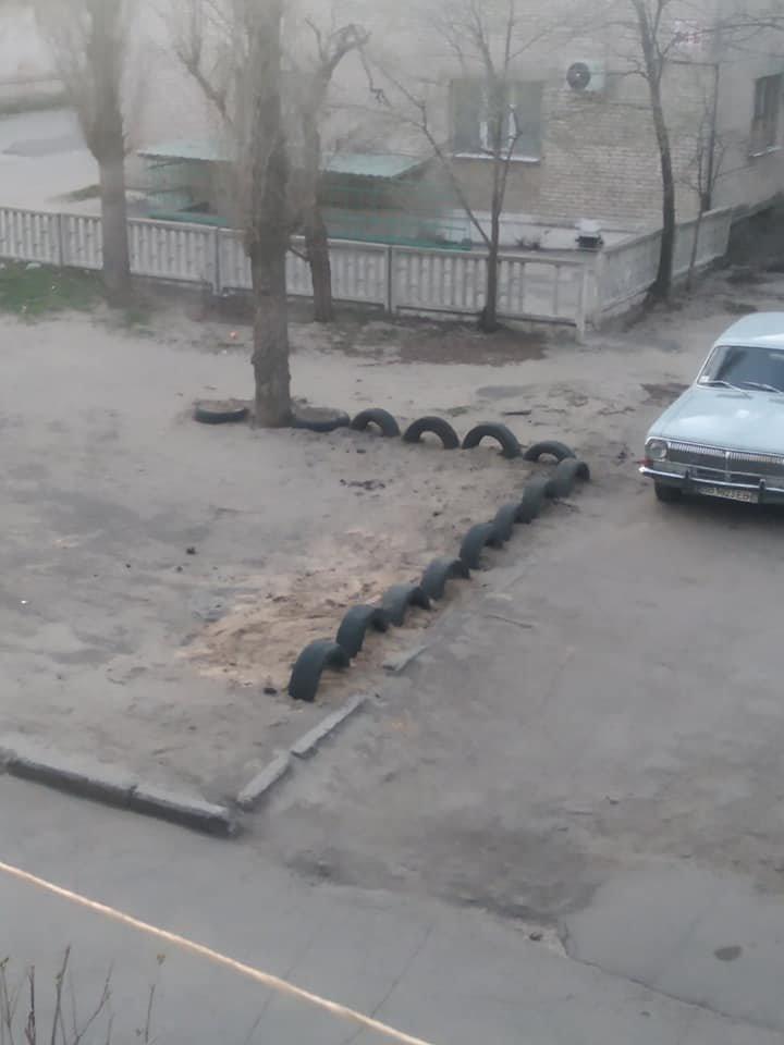 В Северодонецке горожане оборудовали из покрышек детскую площадку (фото), фото-1