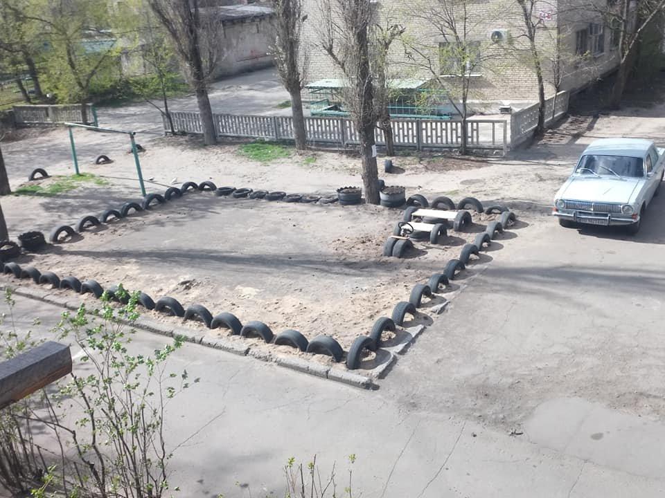 В Северодонецке горожане оборудовали из покрышек детскую площадку (фото), фото-7