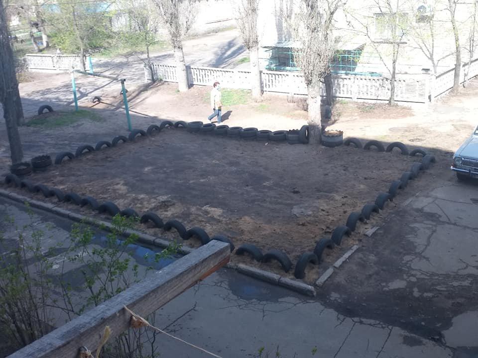В Северодонецке горожане оборудовали из покрышек детскую площадку (фото), фото-5