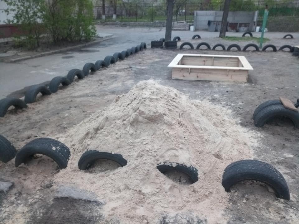 В Северодонецке горожане оборудовали из покрышек детскую площадку (фото), фото-9