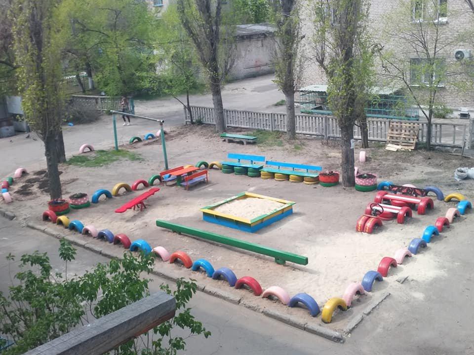 В Северодонецке горожане оборудовали из покрышек детскую площадку (фото), фото-15