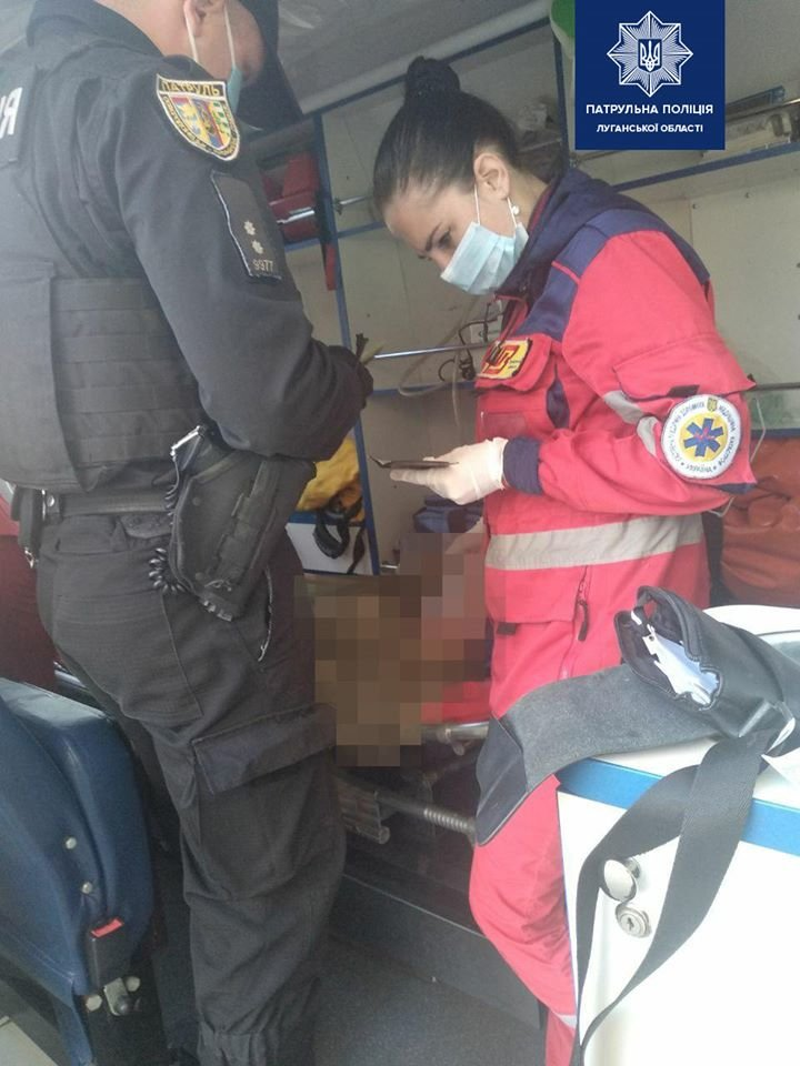 В Северодонецке патрульные спасли жизнь мужчине, который не подавал признаков жизни, фото-1