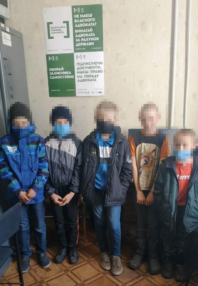 На Луганщине дети надругались над могилами (фото), фото-2