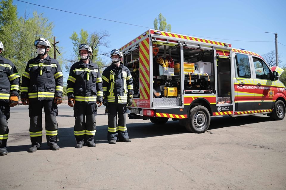 У спасателей Луганщины появился спецавтомобиль, фото-3