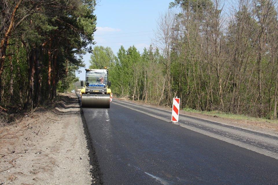 Автодорогу Станица Луганская - Северодонецк ремонтируют без выходных, фото-7