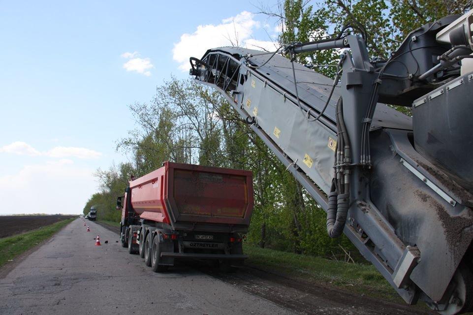 Автодорогу Станица Луганская - Северодонецк ремонтируют без выходных, фото-8
