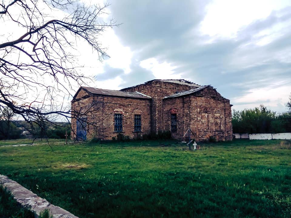 Храм на Луганщине выдержал обстрелы и превратился в культурное наследие, фото-5