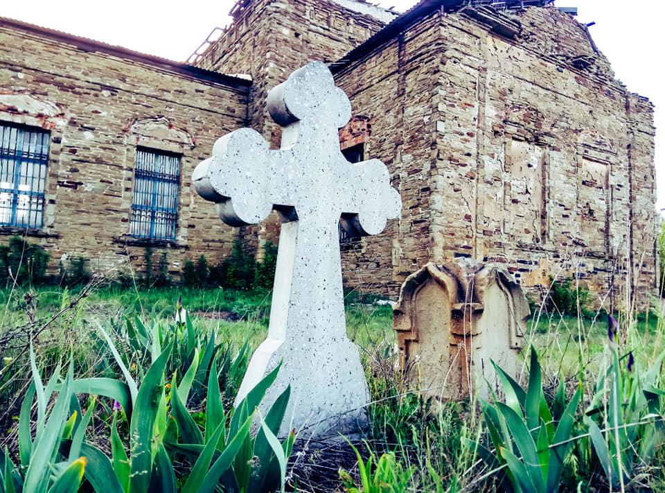 Храм на Луганщине выдержал обстрелы и превратился в культурное наследие, фото-6