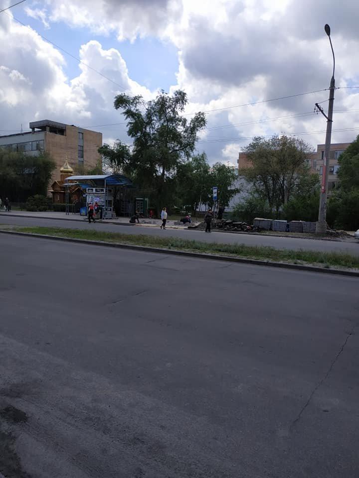В Северодонецке ремонтируют тротуар не предусмотрев обходной путь, фото-4