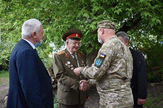 В Северодонецке 130 ветеранов получили подарки, фото-2